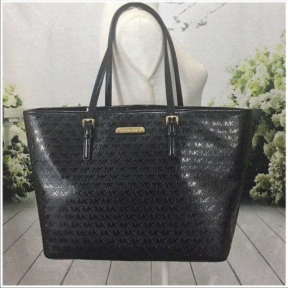 b74b24e6d888 Michael Kors Bags | Large Jet Set Travel Carryall Tote | Poshmark